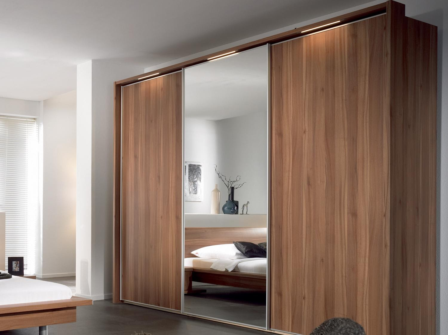 timber laminate sliding door wardrobe