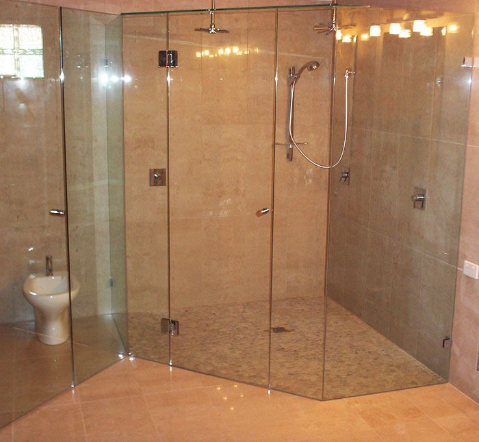Frameless double shower screen