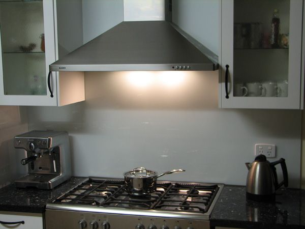 Glass splashback for kitchenette